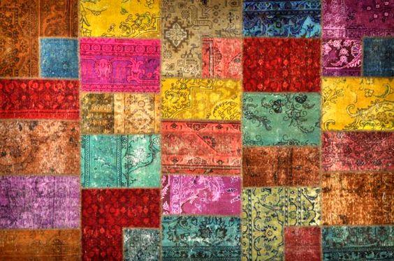 Origineel #Perzisch #Patchwork #tapijt #vrolijke diverse #kleuren #regenboog. Dit zijn tapijten die uit diverse stukken van #Perzische #kleden bestaan.