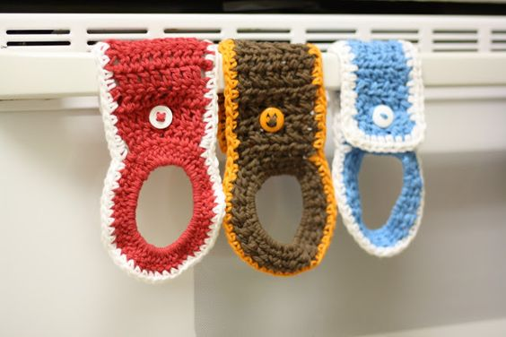 Free Crochet Patterns For Kitchen Towel Holders : crochet towel holder crochet kitchen/bath items ...