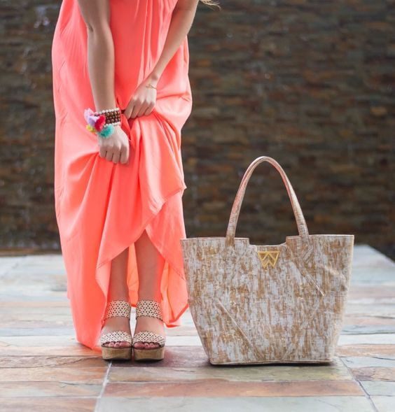 Spring break ready with the Paint The Town Tote in white brushed cork! Featured by the fabulous Kate Padgitt of A Lonestar State of Southern xo