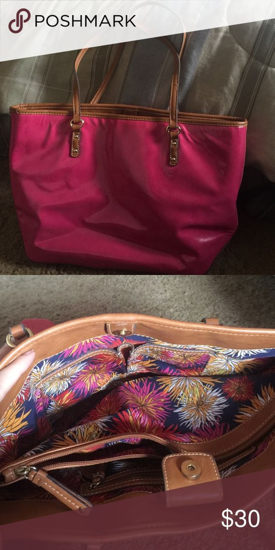 Nine West Purse Pink purse! Beautiful inside! Lots of compartments! Offers accepted! :) Nine West Bags
