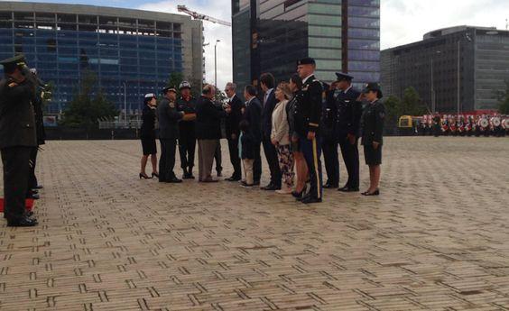 Fuerzas Militares condecoran a Navarro Wolff por su trabajo ante los DDHH.