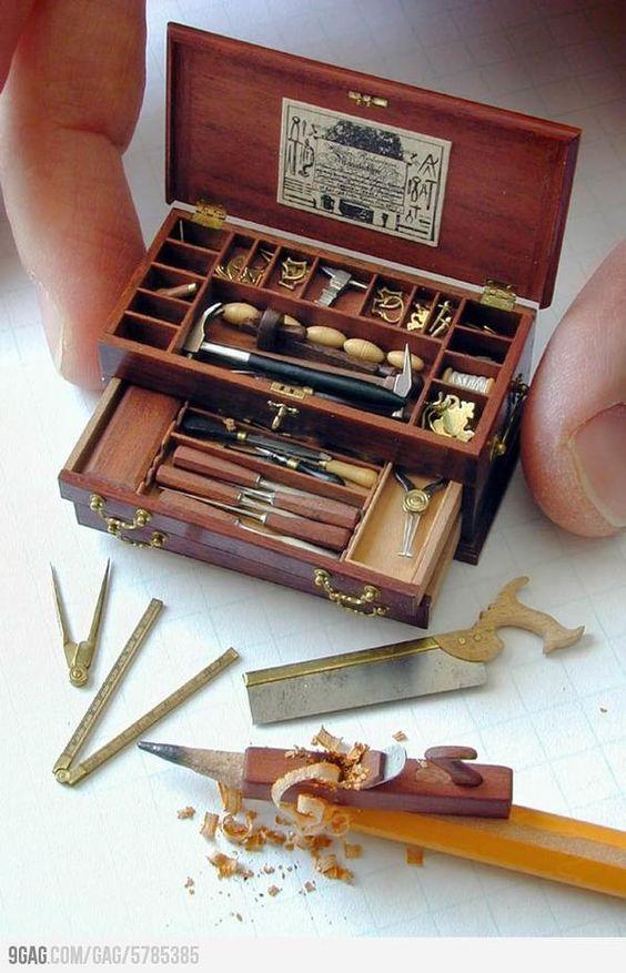 Caixa de ferramentas em miniatura