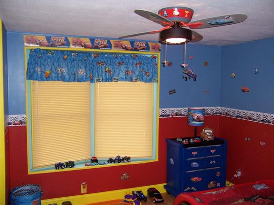 Lighting macqueen and mater bedroom wall decorations for Disney car bedroom ideas