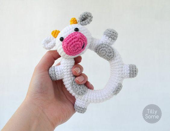 Sonajero de bebé de vaca feliz | Embrague de juguete | Patrón de ganchillo PDF:
