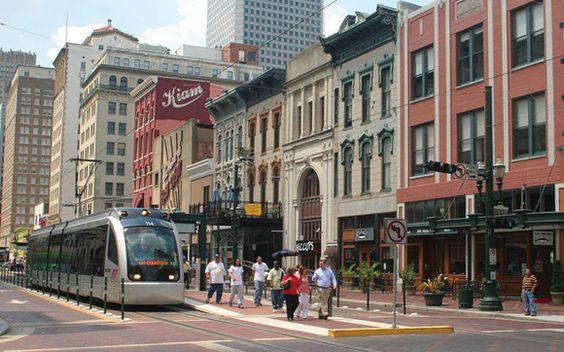 Detroit MI Real Estate & Merchants Social
