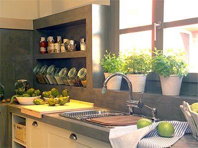 Decoração de cozinha pequena - Temperos plantados em vasos