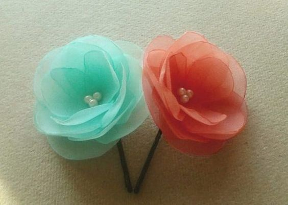 Hey, I found this really awesome Etsy listing at https://www.etsy.com/es/listing/181585134/2-mint-coral-hair-clips-coral-mint-hair