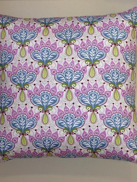 Almofadas exclusivas para seu projeto de decoração.  www.atelieclaudiasantos.com