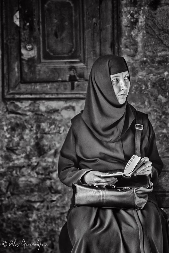 how to become an orthodox nun