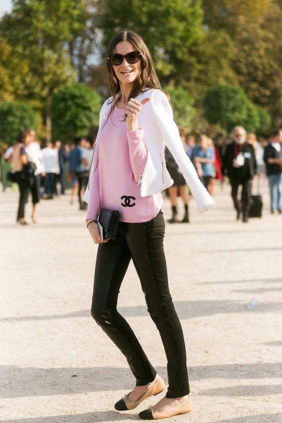 Pin for Later: 27 Times Flats Looked More High-Fashion Than Heels In a classic silhouette that goes with everything.
