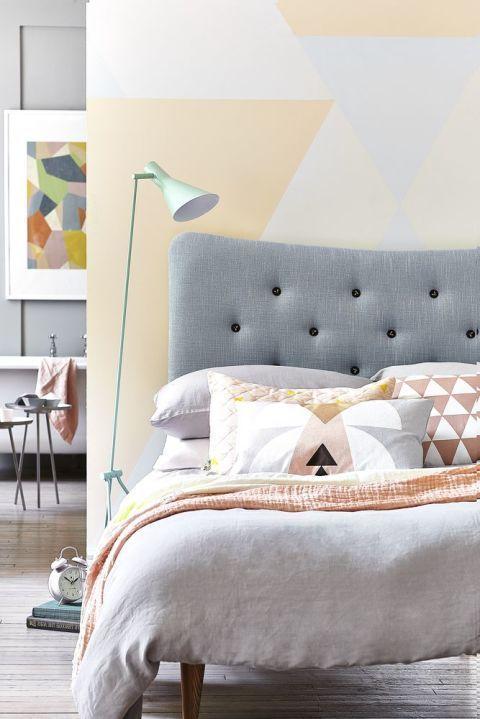 Casinha colorida: Suites e quartos integrados aos banheiros: