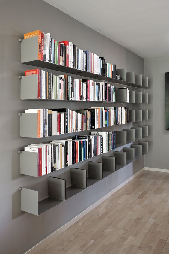 Tag re contemporaine murale en m tal noa by carme pin s santa co - Bibliotheque metal design ...