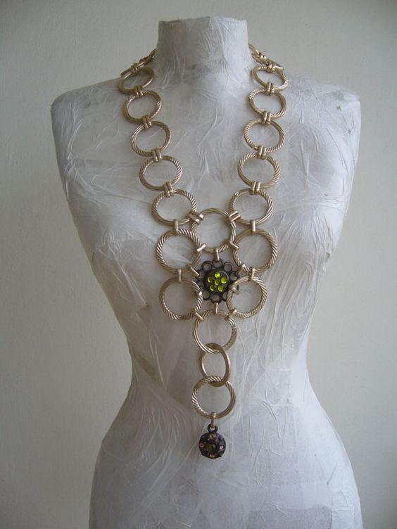 Metallo loop collana lunga oro / catena di metallo di SonizDesign