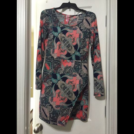 Boutique Shift Dress NWOT Boutique Shift Dress. Never worn. Has slit in the front. Fits closer to M than L. Dresses Asymmetrical