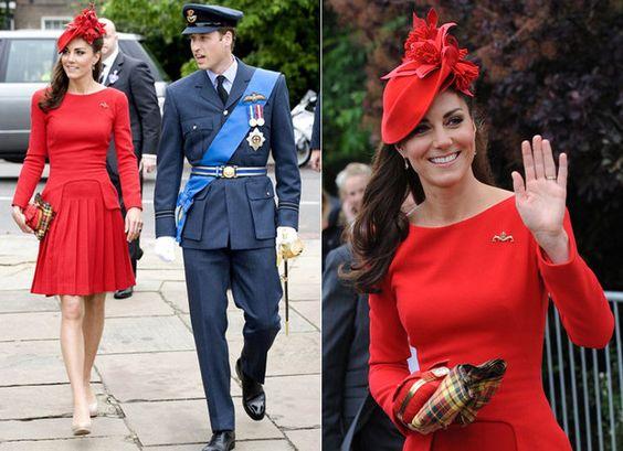 Com look vermelho Alexander McQueen, Kate Middleton comemora os 60 anos da Rainha Elizabeth 2ª