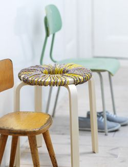 #DIY Re-style your stool - #101woonideeen.nl - Dutch interior and crafts magazine