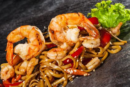 This SHRIMP AND UDON NOODLE STIR FRY recipe is quicker, easier and ...