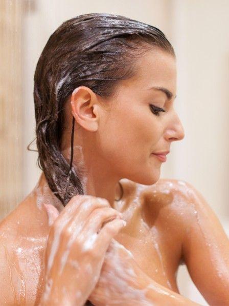 Haare waschen mit MEHL ist der neueste Trick gegen DÜNNE HAARE