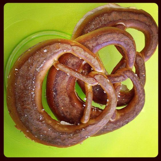 Bei unserem wöchentlichen Geschäftsführerfrühstück gibt es regelmäßig schwäbische Brezeln.
