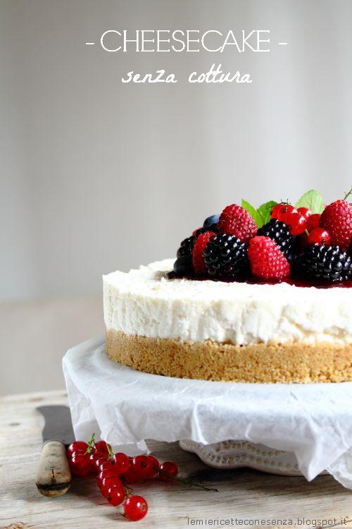 Cheesecake ai frutti di bosco e cocco