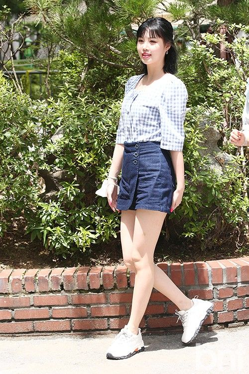 200715 Soojin On Their Way To The Recording Of Kbs Quiz On Idol Today Aesthetic Clothes Kpop Fashion Fashion
