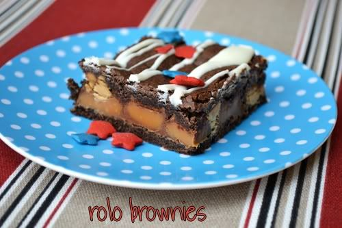 4th of July brownies with rolos and peanut butter chips... yum yum!! must make these to celebrate.