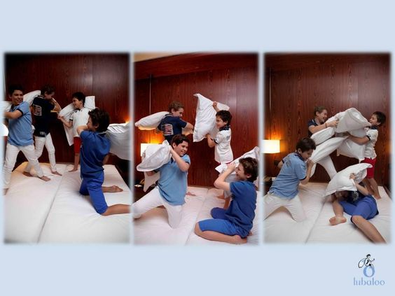 Guerra de almohadas durante la sesión de fotos en el Hotel Único.    www.lubaloo.es |    https://twitter.com/Lubaloo_Madrid |      www.facebook.com/LubalooMadrid