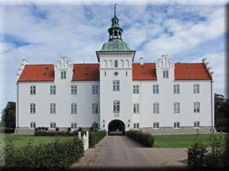 Helvede er løs Gammel Estrup castle