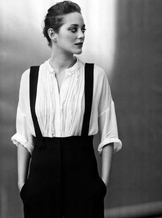 Marion Cotillard: Garconne mit Talent und Klasse. Die weiße Hemdbluse darf nicht fehlen.