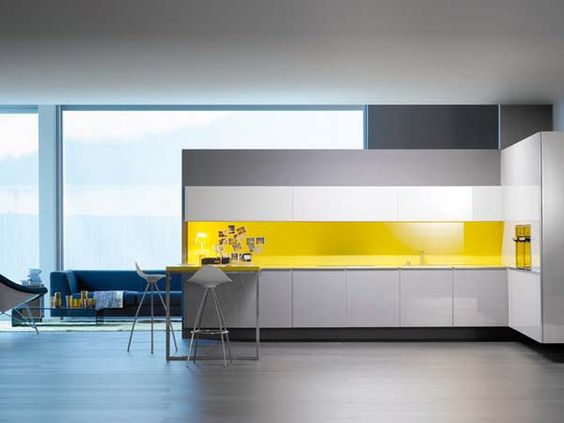 Do I want this kitchen? Yes I do. Yes I do.: White Kitchen, Interiordesignideas House, Kitchen Design, Modern Interiordesignideas, Yellow Splashback