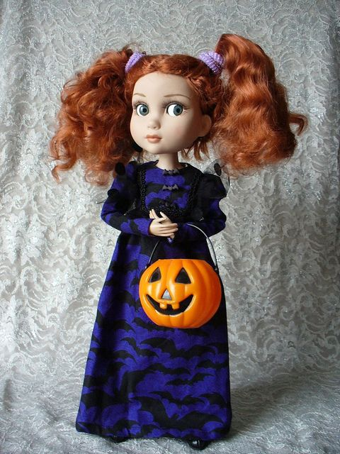 Happy Halloween from Patience | Flickr - Photo Sharing!    Okay gimme that wonderful hair!