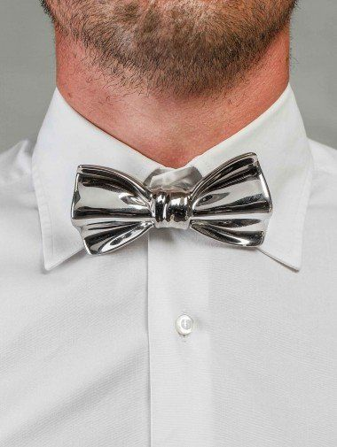 Fancy - Cor Sine Labe Doli ceramic bow-tie from A/W 2012/13 in silver