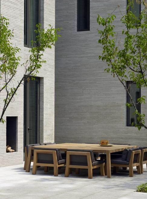 Terrace outdoor living inspiration bycocoon.com | exterior design | modern terrace design | villa design | hotel design | wellness design | design products for easy living | Dutch Designer Brand COCOON ||  table and chairs by Piet Boon