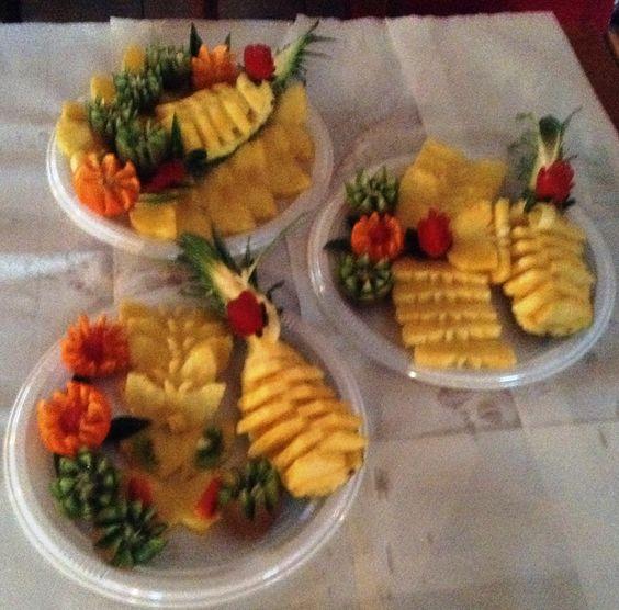 Fruit carving presentazione piatto ananas per buffet