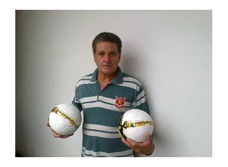 Vem aí o torneio de futsal entre farmácias http://www.passosmgonline.com/index.php/2014-01-22-23-07-47/esporte/2997-vem-ai-o-torneio-de-futsal-entre-farmacias