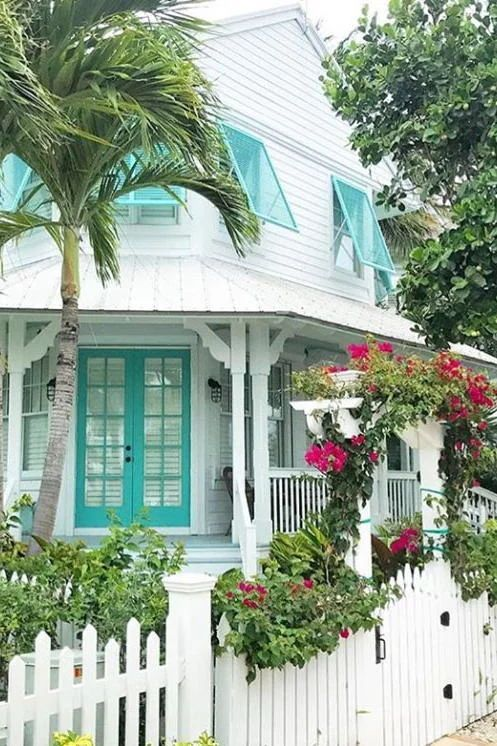 Southern Homes With The Best Curb Appeal Of 2017 Cottage Exterior Beach Cottage Style Key West Cottage