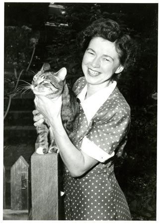 Beverly Cleary and her pet cat.: