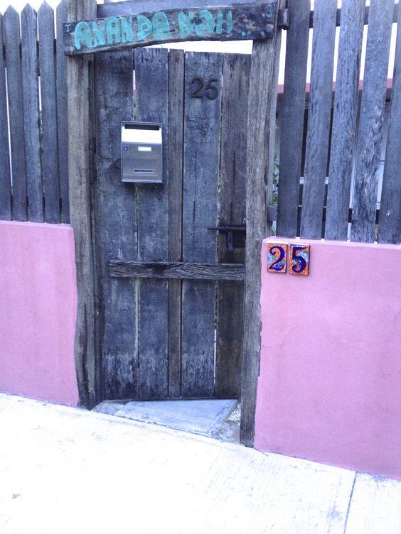 Front gate, Ananda Nah