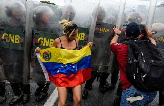 Le Venezuela au bord du chaos - Federico Parra/AFP