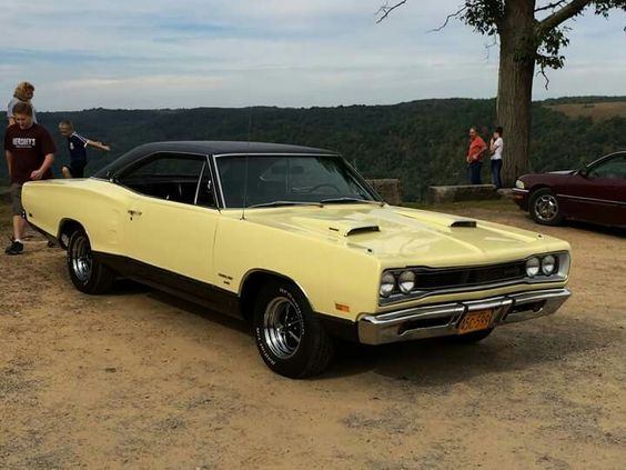 69 Dodge Coronet 440( as in model NOT motor) not to say it doesn't have a 440 motor.
