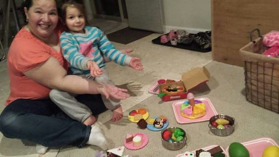 Playing with Myla: look our banquet!