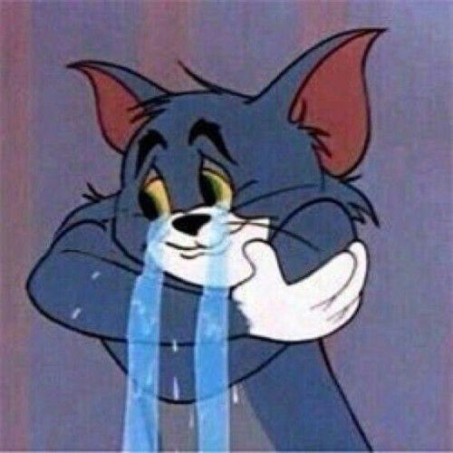 كرتون توم يبكى