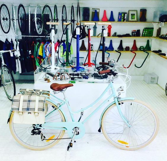 Bobbin preparada para rodar. #bike #bicis #bobbin #bizikleta #sansebastian #gipuzkoa #gros #urbanbike #velo#cycles #cyclestyle #euskadi #paysbasque#donostia2016 #donostia by minerbicisurbanas