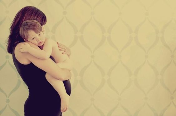 Maternity photo with 21/2 year old by Leathem Photography