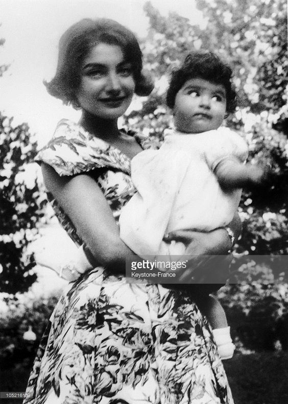 The Princess Shahnaz Pahlavi Of Iran And Her Daughter The Princess Zahra Mahnaz At The Age Of One Year Old On December 13, 1959.