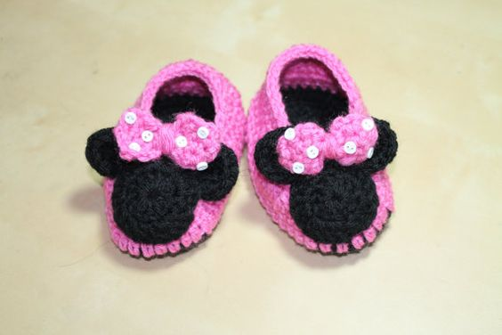 Free Crochet Pattern Minnie Mouse Shoes : Crochet Baby Booties. Crochet Minnie Mouse by ...