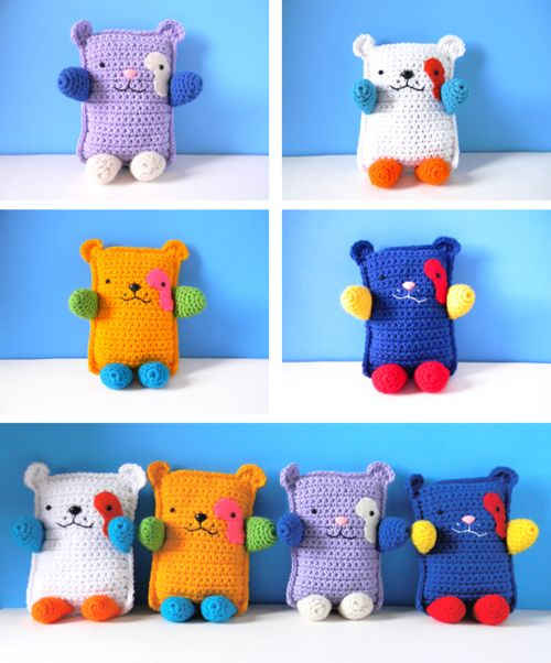 gotyarn:  knitwhit:  kirstenrenz:  The first four Square Bears are in the shop. I really wanted to keep the gold one, but have too many of my own plush. Shop here. I hope everyone likes them as much as I like making them. So let me know what you think!  Cute!  xDx