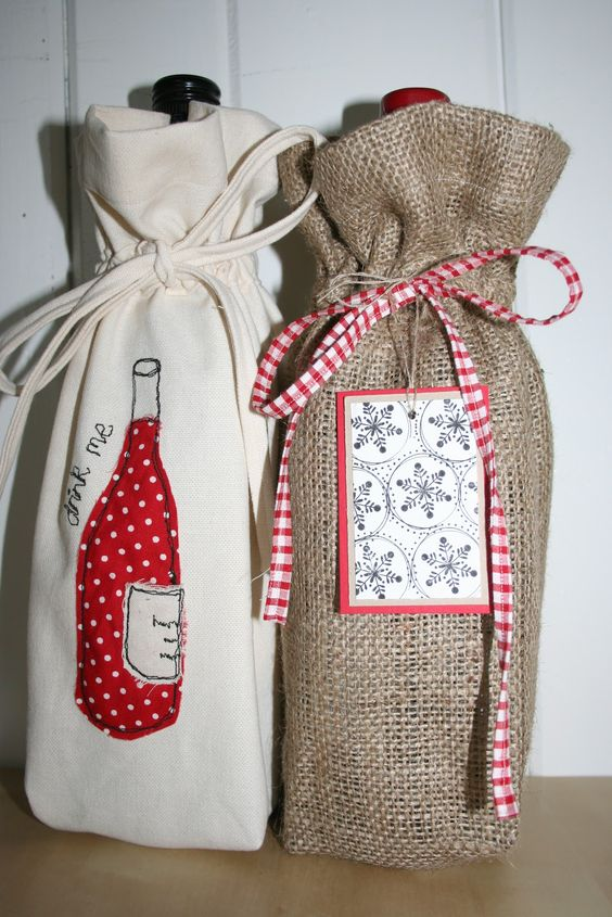 Patroon wijnfles verpakking, een patroon om de wijn die jecadeau geeft in een unieke stoffen zelfgemaakte verpakking te geven.