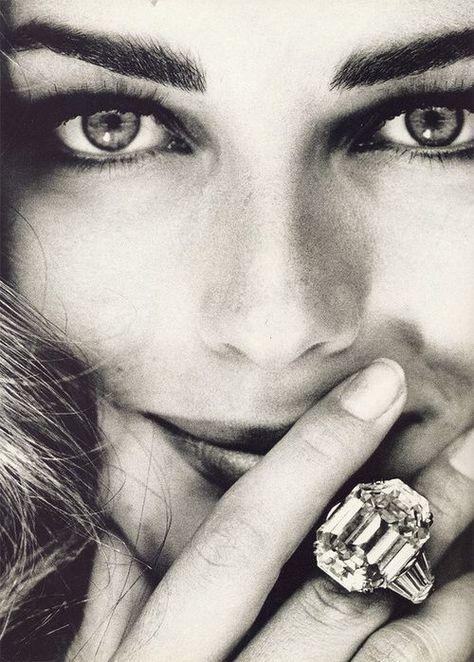 Paulina Porizkova   Vogue Italia 1991