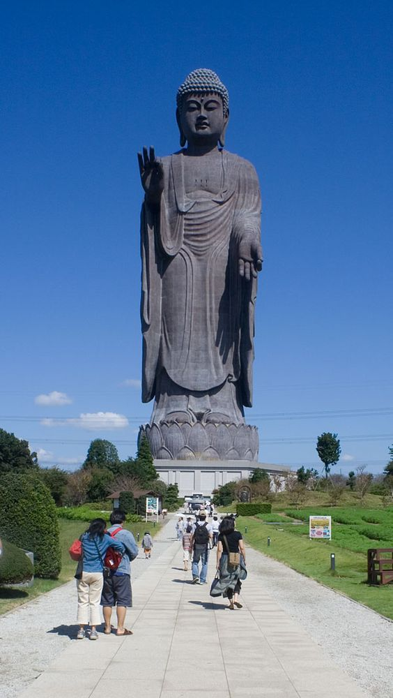 The Five Best Giant Buddhas (Daibutsu) of Japan | Atlas Obscura . Ushiku Daibutsu: The Great Buddha of Ushiku - this Japanese giant the 3rd tallest statue in the world.